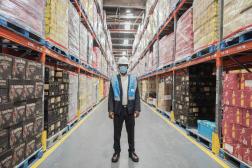 Dans une usine de liqueurs à Alrode, dans la banlieue de Johannesburg en janvier 2021.