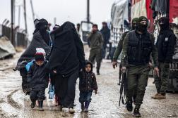 Libération de personnes soupçonnées d'être liées à des combattants du groupe de l'État islamique, àHassaké(Syrie), le 19 janvier.