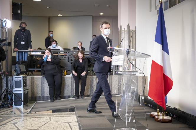 Le ministre de la santé, Olivier Véran, le 28 janvier 2021 à Paris.
