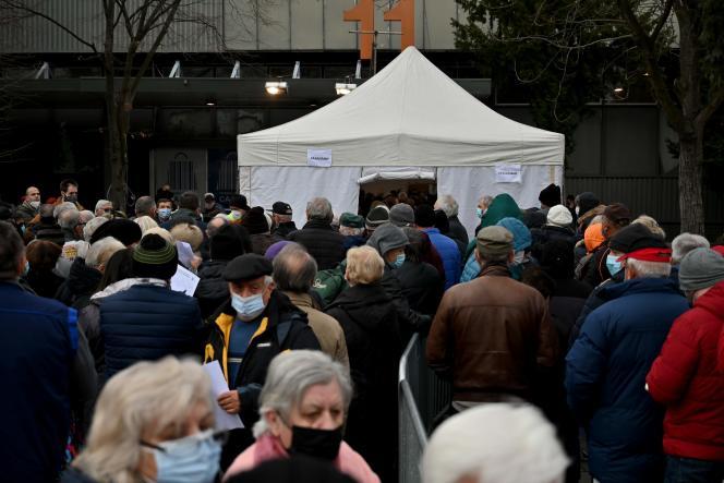 نمایشگاه بلگراد در 25 ژانویه 2021 به یک مرکز واکسیناسیون تبدیل شد. صربستان یک کمپین واکسیناسیون گسترده علیه Covid-19 را آغاز کرد و اولین کشور اروپایی بود که از واکسن واکسن سینو استفاده می کند.