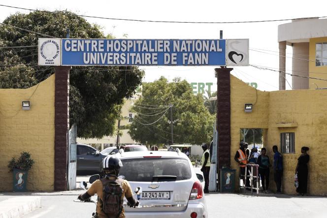 ورودی بیمارستان دانشگاه ملی Fann در داکار در مارس 2020.