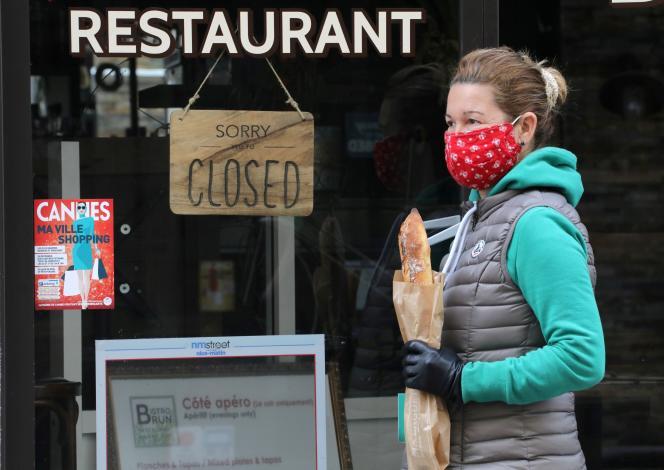 Un restaurant fermé, à Cannes (Alpes-Maritimes), en avril 2020.