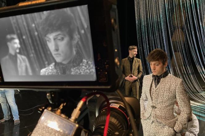 Jules Sagot (au premier plan) et Thomas Jolly, dans « Mithridate », filmé au TNS de Strasbourg (Bas-Rhin), en novembre 2020.