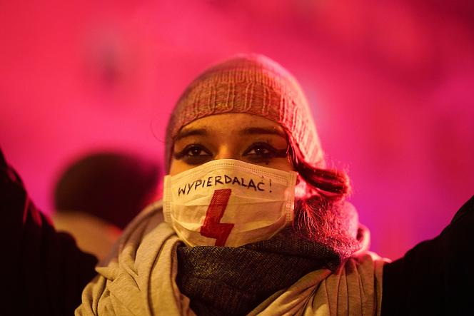 Demonstration against the verdict limiting the right to abortion in Warsaw, January 29.