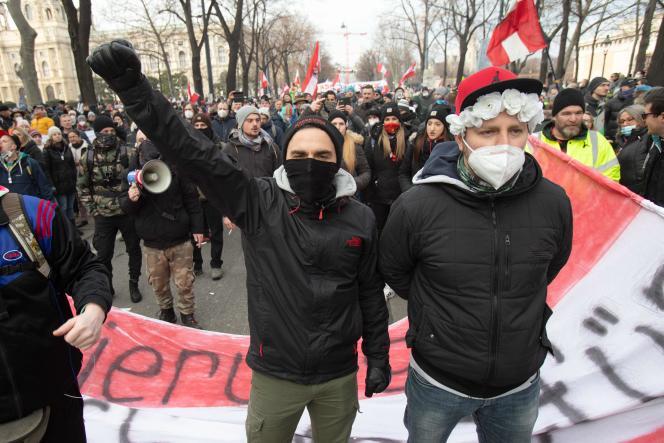 Manifestation contre les mesures sanitaires à l'appel du Parti de la liberté d'Autriche (FPÖ, extrême droite), dimanche 31janvier, à Vienne.