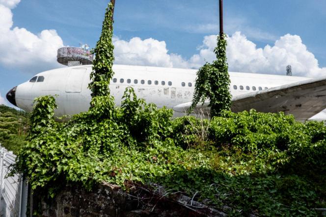 Cet ancien avion de ligne, atterri en 1999 dans le quartier de Gilly à Charleroi, était jusqu'à il y a peu un restaurant appelé All'Italia. Mais l'endroit a, en novembre 2020, disparu sous les flammes.