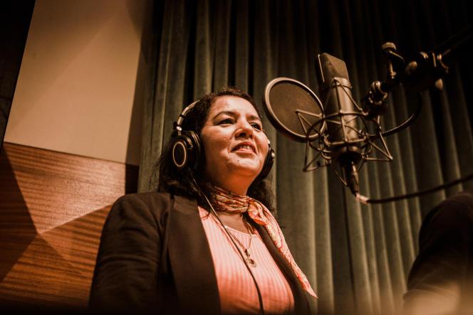 Fatima Tabaamrant, le 24 juin 2019, austudio d'enregistrement Hiba, à Casablanca (Maroc).