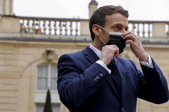 Emmanuel Macron au palais de l'Elysée à Paris, le 1er février.