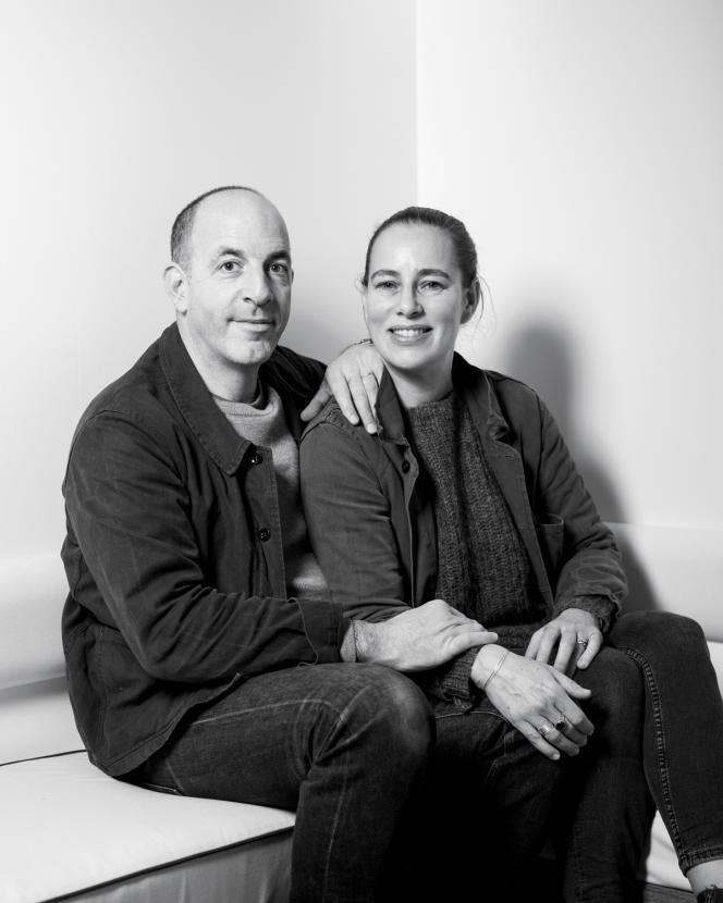 Samuel et Charlotte Castro, propriétaires de l'Hôtel du Sentier, à Paris, le 26 janvier 2021.