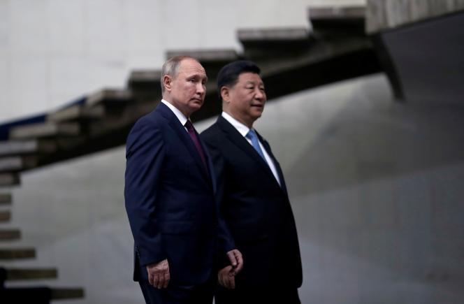 Le président russe, Vladimir Poutine, et son homologue chinois, Xi Jinping, lors du sommet annuel des BRICS, le 14 novembre 2019 à Brasilia.