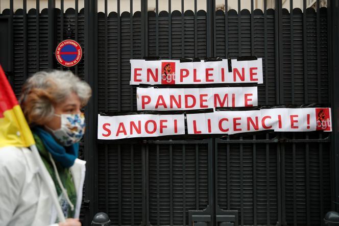 La restructuration va concerner « les quatre sites » de cette entité du groupe : Strasbourg, Montpellier (Hérault), Vitry-sur-Seine et Chilly-Mazarin (Essonne), d'après les sources syndicales (Photo: manifestation à Paris, le 4 février).