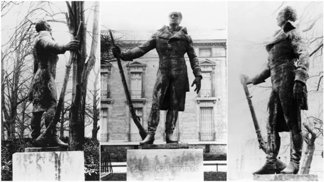 Photos datant de la fin du XIXe siècle de la statue à Paris du général Dumas et qui fut détruite par les Allemands pendant l'Occupation.