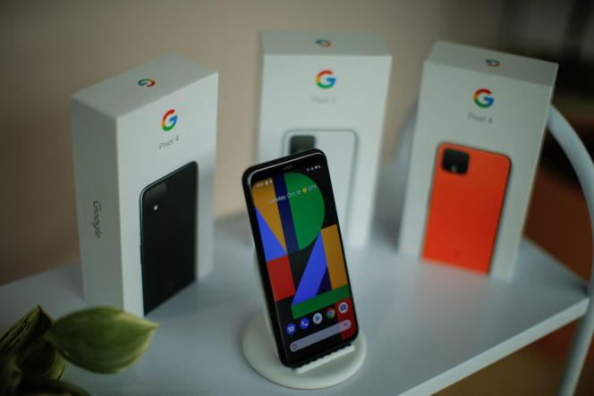 تلفن هوشمند Google Pixel 4 ، در اکتبر 2019 در نیویورک.