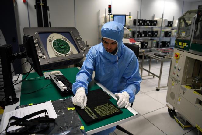 آزمایشگاه تولید کننده تراشه های الکترونیکی STMicroelectronics فرانسه - ایتالیایی در گرنوبل ، در نوامبر 2018.