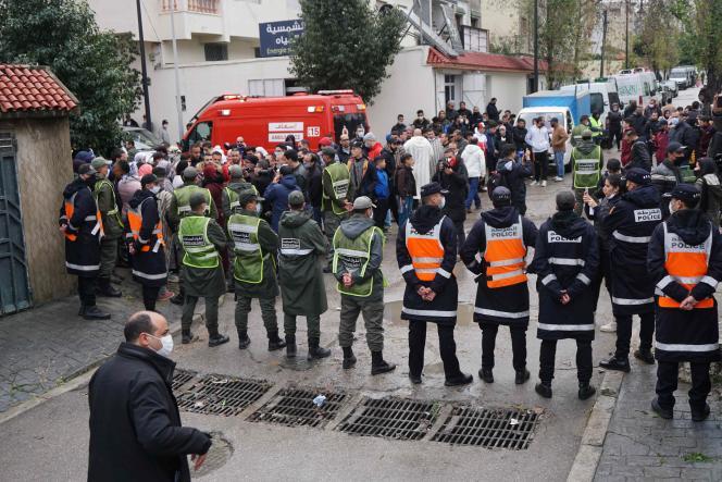 Les secouristes marocains avaient récupéré lundi 8 février vingt-quatre corps ainsi que dix survivants, qui ont été conduits à l'hôpital.