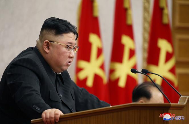کره شمالی هزاران هکر باتجربه را برای هدف قرار دادن مشاغل و موسسات در کره جنوبی و سراسر جهان مستقر کرده است.  هدف آنها همچنین یافتن منابع درآمد در برابر تحریم های بی شماری است که این کشور به دلیل برنامه های تسلیحاتی خود تحت آن قرار گرفته است.