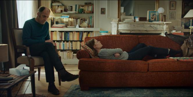 Le psy Philippe Dayan (interprété par Frédéric Pierrot) et l'une de sespatientes Ariane (Mélanie Thierry) dans la série «En Thérapie», d'Olivier Nakache et Eric Toledano, actuellement sur Arte.