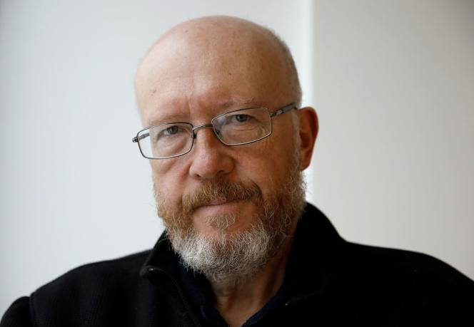 8 lutego 2021 r. w Warszawie prof. Jan Krabowski, jeden z autorów pracy zespołowej Plus Pożyczka, c'est encore la nuit.
