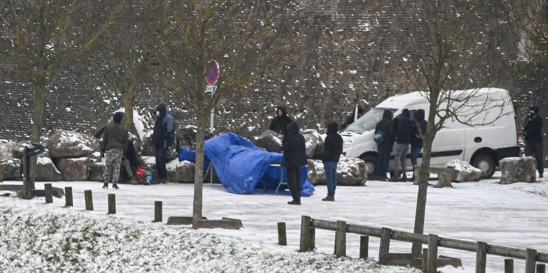 «Ma crainte, c'est de trouver des gens morts dans leurs tentes»: à Lille, la maraude des associations d'aide aux sans-abri menacés par la vague de froid