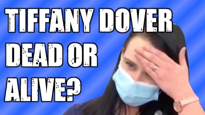 Extrait d'une vidéo YouTube complotiste évoquant la prétendue disparition de l'infirmière américaine Tiffany Dover.