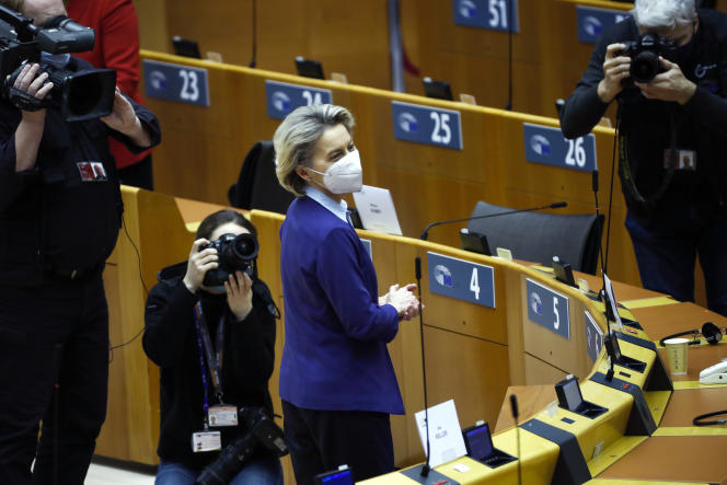 La présidente de la Commission européenne, Ursula von der Leyen, au Parlement européen à Bruxelles, le 10 février.