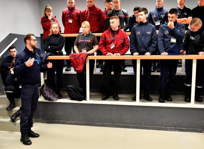 Formation du personnel de sécurité à l'Ecole nationale d'administration pénitentiaire à Agen (Lot-et-Garonne), en avril 2019.