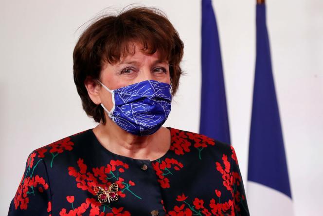 La ministre de la culture, Roselyne Bachelot, le 11 février, à Matignon.