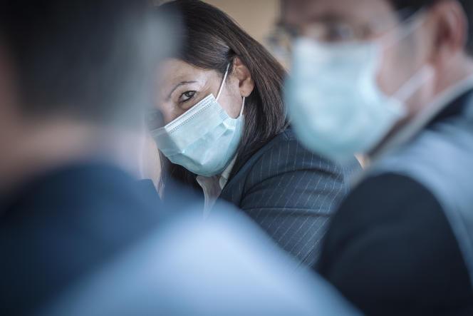 Anne Hidalgo lors d'une conférence de presse sur le développement de la Vallée de la Seine à Rouen (Seine-Maritime), le 11 février.
