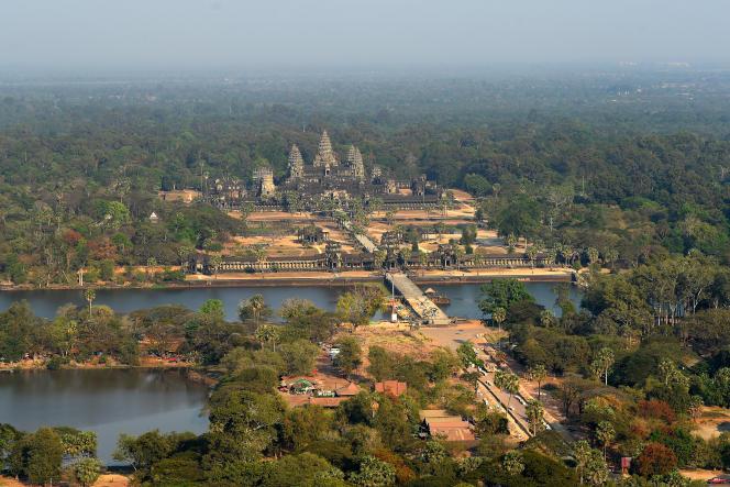 Une vue aérienne du temple d'Angkor Vat dans la province de Siem Reap au Cambodge, le 5 mars 2020.
