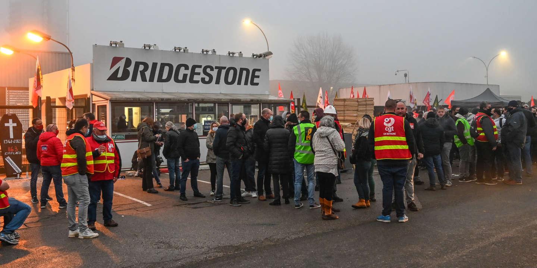 Le Monde Bridgestone : direction et syndicats trouvent un compromis sur le plan social - Le Monde