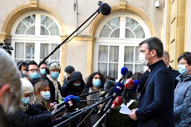 Le ministre de la santé, Olivier Véran, à la préfecture de Metz (Moselle), le 12 février.