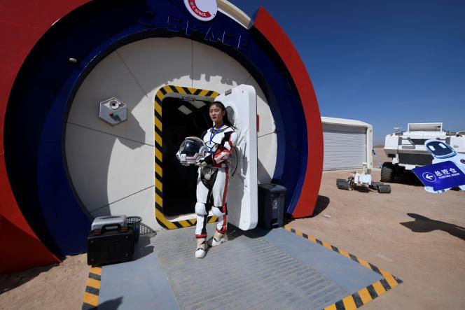 A l'entrée de «Mars Base 1», un projet C-Space ouvert au public dans le désert de Gobi (province du Gansu, Chine), en 2019.