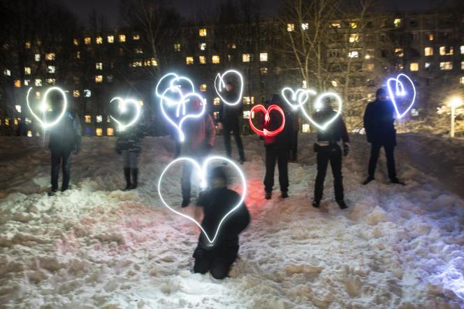 Des participants aux Flashmobs pro-Navalny à Moscou.