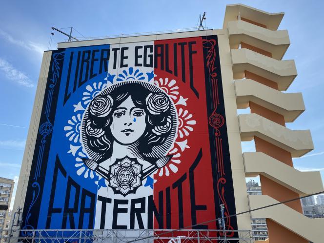 La «Marianne qui pleure» d'Obey, dimanche 14février 2021, à Paris.