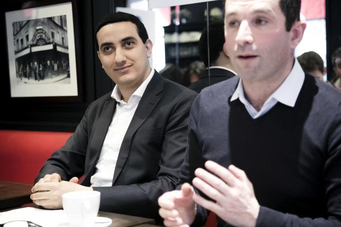 Ali Rabeh, maire de Trappes, et Benoît Hamon, lors d'une conference de presse du mouvement politique Generation.s, le 5 février 2018.