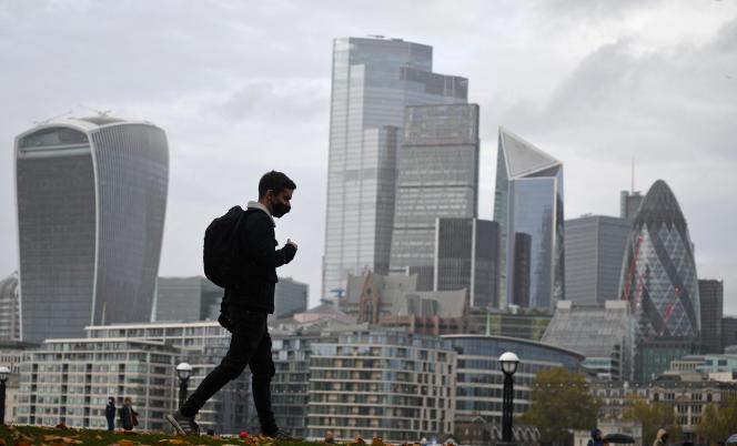 Vue sur les tours de la City à Londres, le 1er novembre 2020.