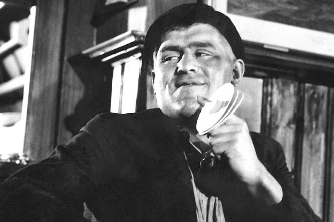 Mario Adorf dans«Les SS frappent la nuit » («Nachts, wenn der Teufel kam», 1957), deRobert Siodmak.