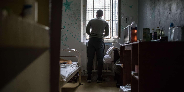 Surpopulation en prison : l'impossible équation d'Eric Dupond-Moretti