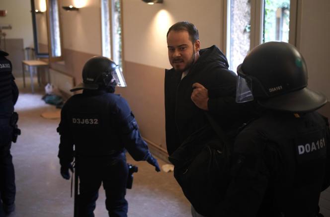 Le rappeur s'était barricadé lundi dans l'université de Lérida, en Catalogne, avec des dizaines de soutiens afin de tenter d'empêcher son arrestation.