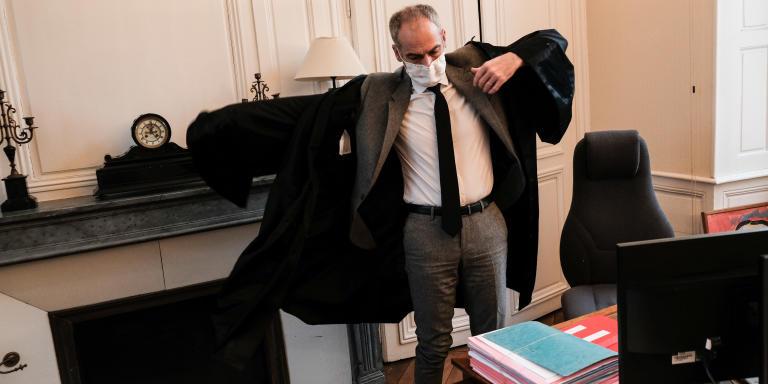 Sens le 19 janvier 2021. Reportage avec Jean Christophe Gayet, président du Tribunal judiciaire de Sens. C'est le plus petit tribunal d'Ile de France // Préparation et départ pour l'audience de 9H