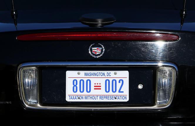 Le manque de représentation est inscrit sur les plaques d'immatriculation des habitants de Washington, par la mention « taxation without representation » («les impôts sans les élus»).