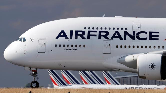 Un A380 d'Air France à l'aéroport de Roissy, le 26juin2020.