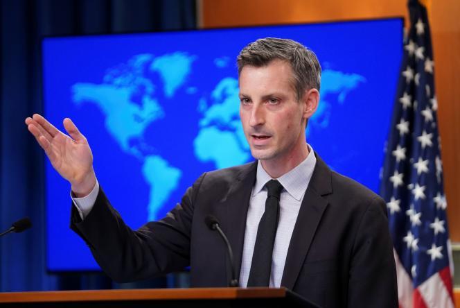 Le 17 février, le porte-parole du département d'État américain Ned Price lors d'un briefing du département d'État à Washington.