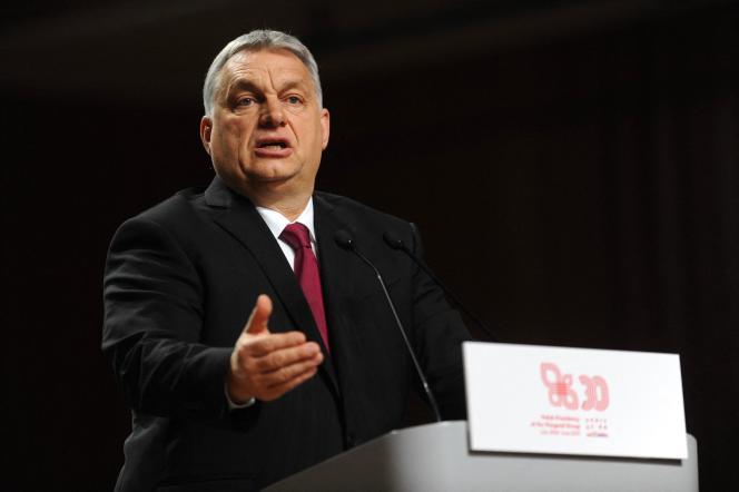 Le premier ministre hongrois, Viktor Orban, lors d'une réunion du groupe deVisegrad (Hongrie, Pologne, République tchèque et Slovaquie), le 17 février à Cracovie.