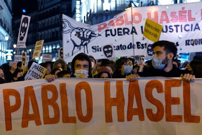 Manifestation de soutien au rappeur Pablo Hasel à Madrid, le 17 février.