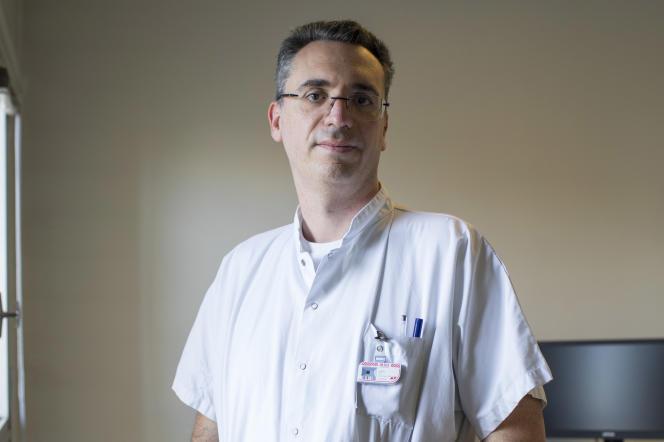 Eric Guedj, chef du service de médecine nucléaire des Hôpitaux universitaires de Marseille (AP-HM), à l'hôpital de la Timone, à Marseille, le 9 février.