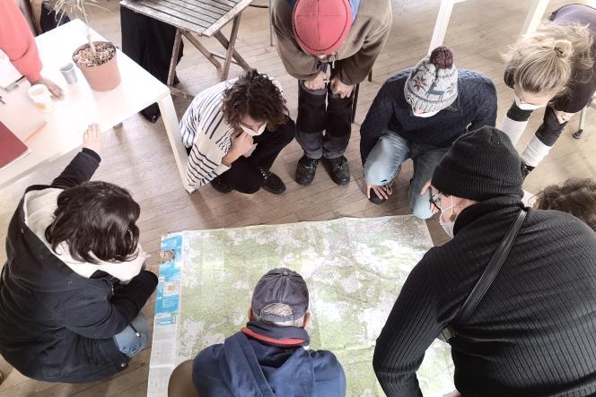 Les élèves de master 1 de l'Ecole nationale supérieure du paysage de Versailles travaillent sur les liens ville-campagne.