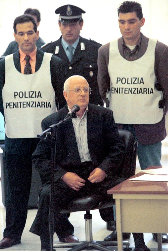 Raffaele Cutolo lors d'une audition en 1997 à Naples.
