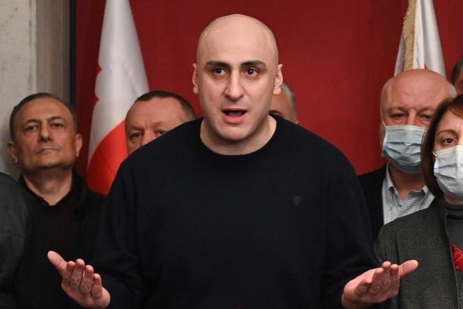 Nika Melia, le chef du Mouvement national uni, en train de s'exprimer devant ses partisans à Tbilisi, le 17 février 2021.