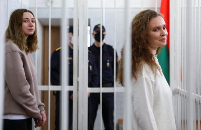 Daria Tchoultsova et Katerina Bakhvalova, à Minsk, le 18février.